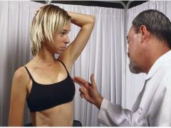 爱美需谨慎:26年数据显示隆胸手术乳房植入会带来患癌风险