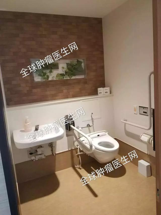 日本医院卫生间