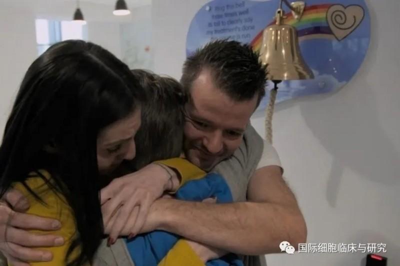 梅森·凯特利和他的父母