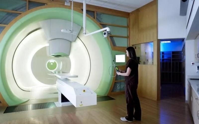 质子治疗机器