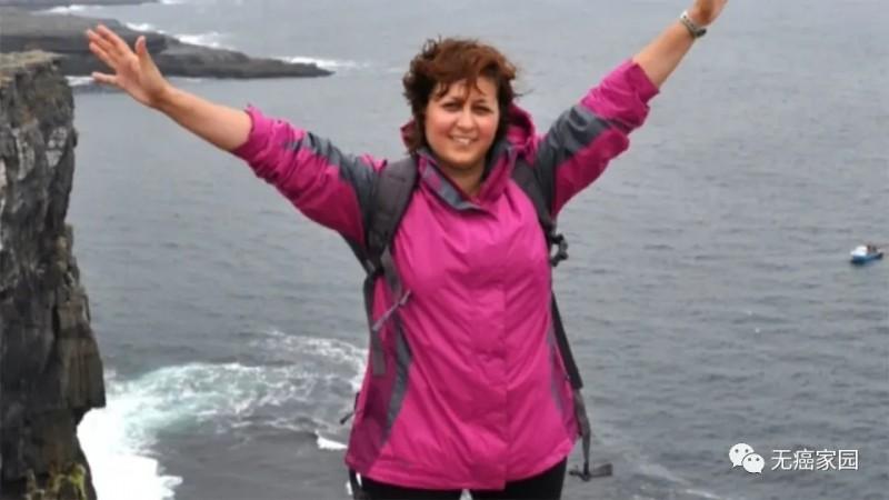 治疗后的肺癌患者安妮·玛丽·塞拉托(Anne-Marie Cerato)